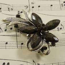 Винтажная брошь «Черный цветок»